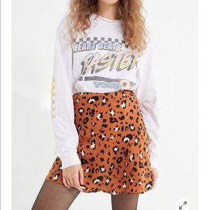 Urban Outfitters   Leopard Satin Mini Skirt 🐆
